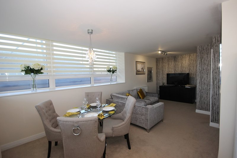 LUXURY Two bedroom in Stevenage, aluguéis de temporada em Chipping