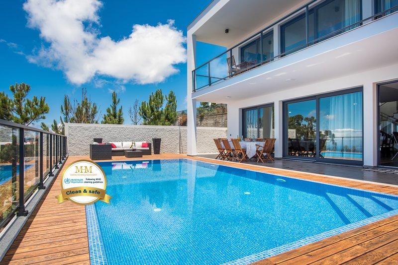 Villa Enjoy - by MHM - The Name Says it All, aluguéis de temporada em Prazeres