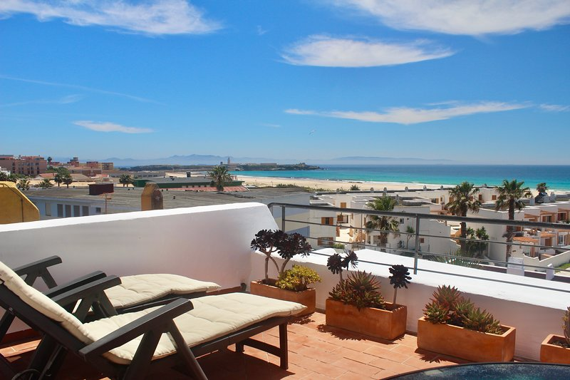 Beachfront Penthouse Apartment - Los Lances, holiday rental in Tarifa