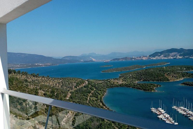 Tim's Turkey Flat, Luxury Penthouse at Horizon Sky, holiday rental in Kiyikislacik