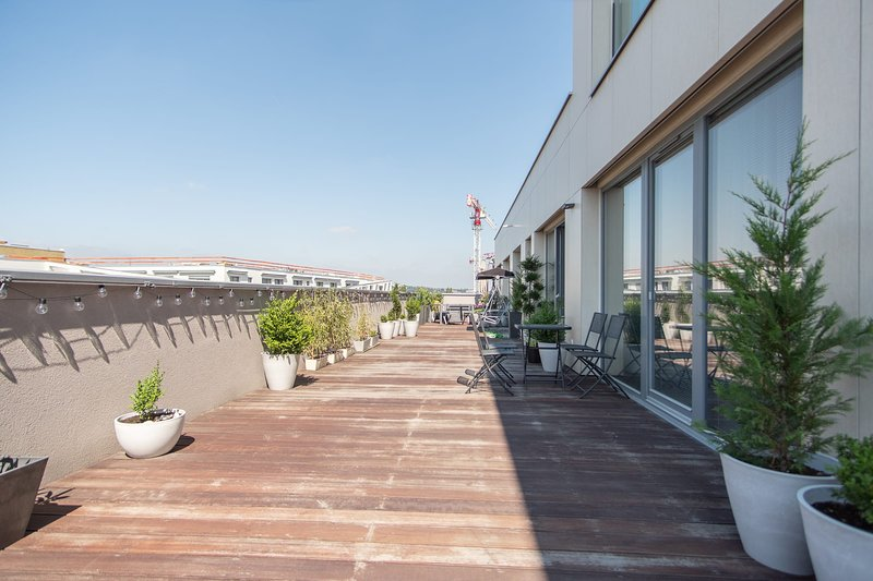 Large terrace one bedroom apartment with parking by easyBNB, holiday rental in Prague