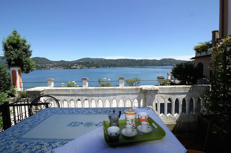 The Beach Indipendent Apartment View Lake, vacation rental in San Maurizio d'Opaglio