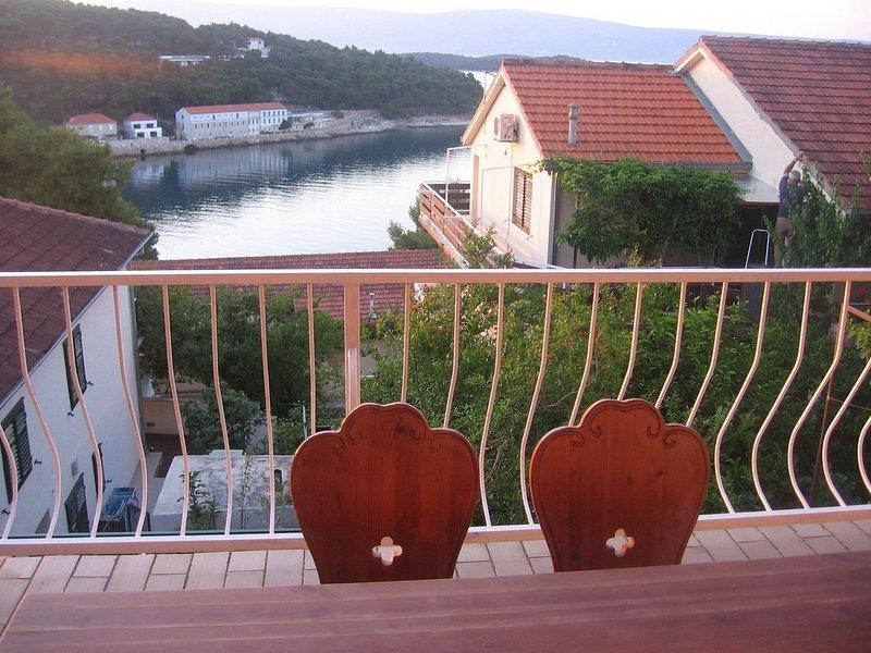 Jelsa Apartment Sleeps 3 with Air Con - 5408185, casa vacanza a Pitve