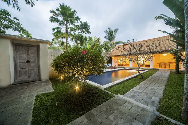 1 BR Kanasa Villa with Private pool, holiday rental in Petulu