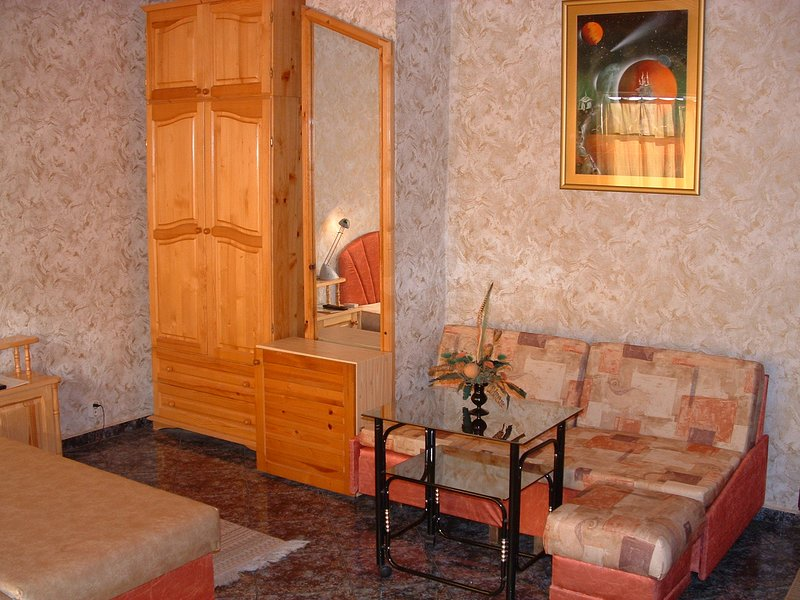 Double room with sea view, holiday rental in Saints Constantine and Helena