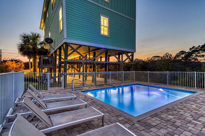 HEAVENLY VIEW: Huge Pool - NEW Beach Access! Like New!, holiday rental in Santa Rosa Beach
