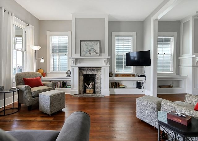 Quiet Renovated Apartment Close to Forsyth with Parking by Lucky Savannah, casa vacanza a Pooler