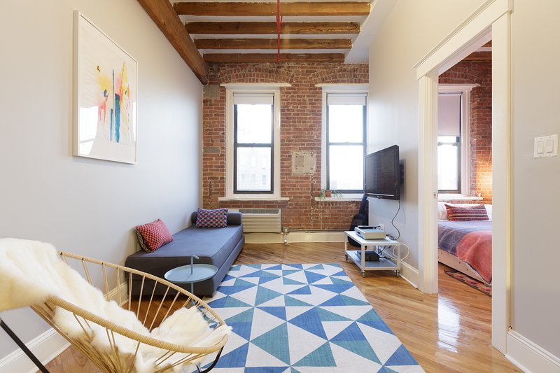 Newly Converted Factory 1BR Loft, holiday rental in Long Island City