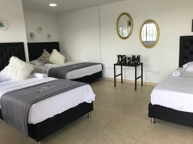 La Martinera Aguas Abiertas Room 14 Vista directa al embalse, aluguéis de temporada em Guatape