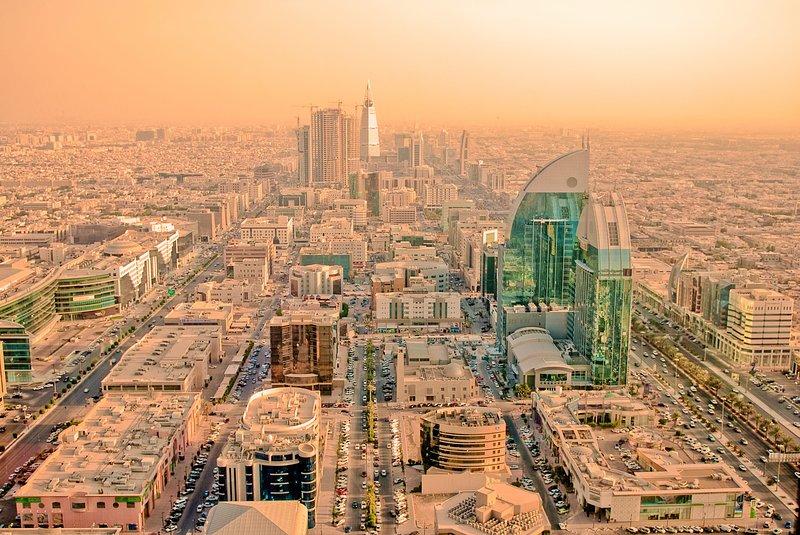 EMBELLISHED 2 BR AT AT NORTHERN RING RD IN AL MASSIF, RIYADH, aluguéis de temporada em Riyadh Province