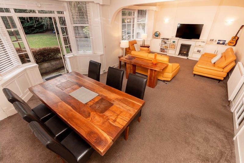 Ground Floor 2 Bedroom apartment, aluguéis de temporada em Dundee