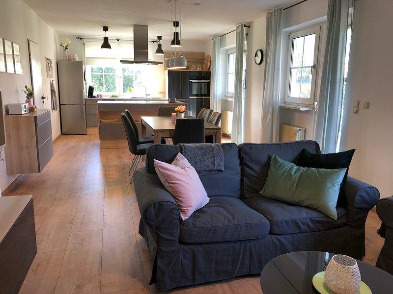 Neue 6 Personen Ferienwohnung mit Garten 'Am Spitalgarten', location de vacances à Adelsried