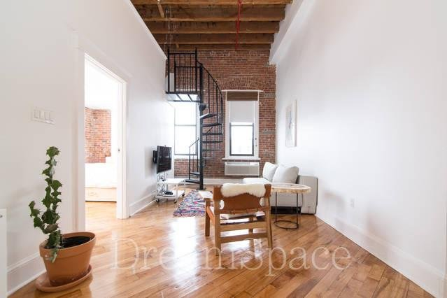 Sunny 2BR Flex w/CityView From Bed!, holiday rental in Long Island City