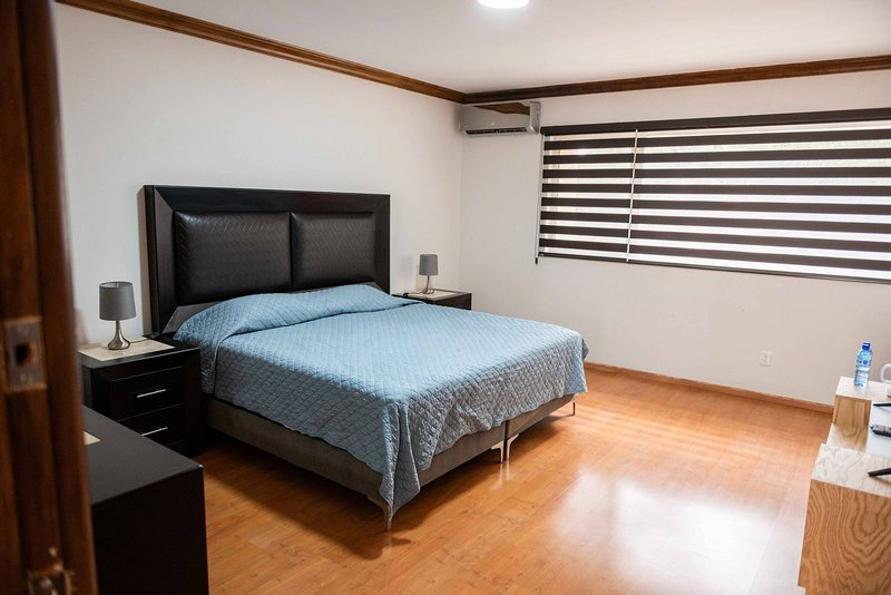 15 Departamento doble para 4 personas, holiday rental in Torreon