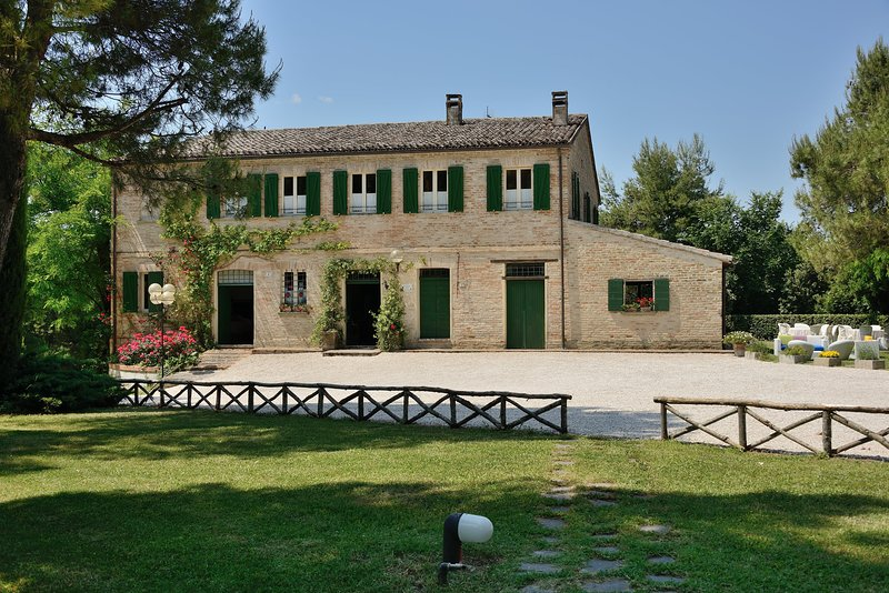 Antico Casolare - Villa Tombolina, vacation rental in Bargni