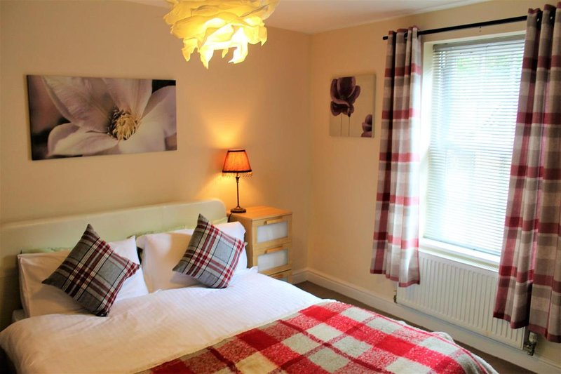 Canal Side Apartment, holiday rental in Worcester