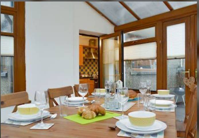 Tir Melys Holiday Home, holiday rental in Aberdare