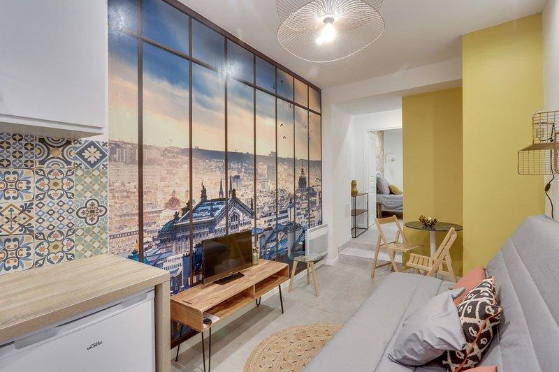 143 Suite La Française, Nice APT, Paris, holiday rental in Le Pre Saint Gervais