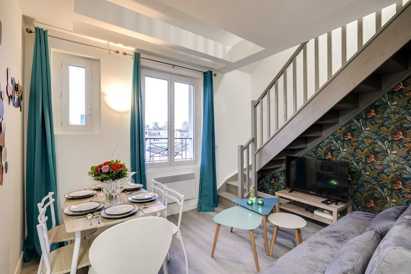 805 Suite Amazing, Luxious Duplex, Door of Paris, casa vacanza a Montreuil