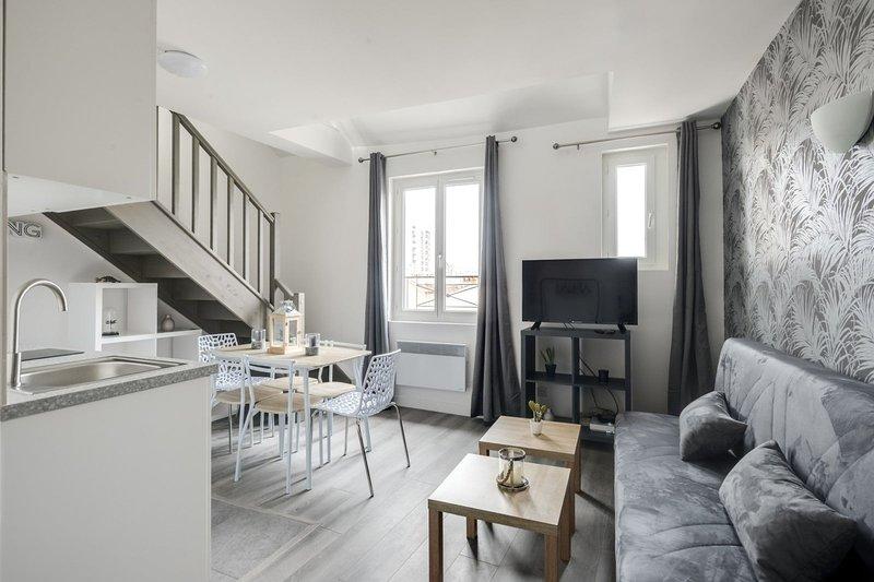 804 Suite Styling, Superb Duplex, Door of Paris, vacation rental in Bagnolet
