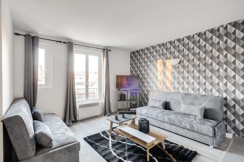 803 Suite Parisian, Magnificent APT, Door of Paris, vacation rental in Bagnolet