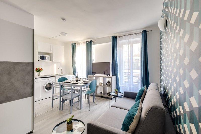 801 Suite Luxury, APT+Terrace, Door of Paris- PRM, vacation rental in Bagnolet