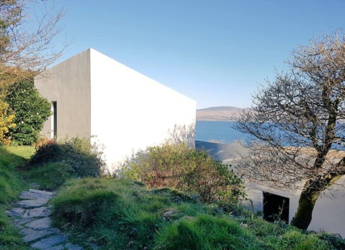 Unique Seafront Property in Ireland's  Southwest, holiday rental in Killaha