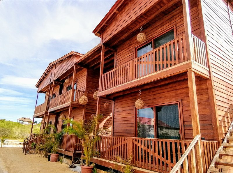 Ecoco Villas - California - Ecochic - 100%Sustentable - Holbox Retreat, holiday rental in Chiquila
