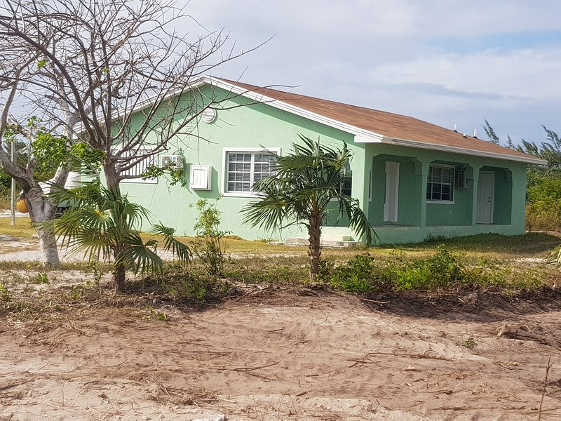 Complete Two bedrooms Family house with individual ensuite baths,fully equipped., alquiler de vacaciones en Crooked Island