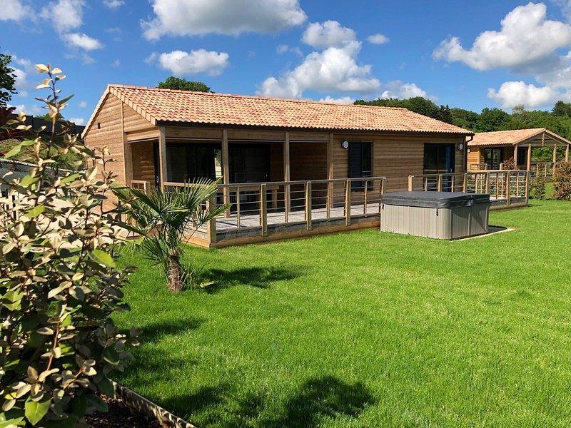 Chalet L'Opale - L'Ecrin du Breuil, vacation rental in Janaillat