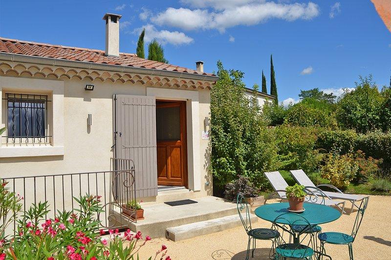 Studio en pleine nature avec vue sur les vignobles., vacation rental in Plan-de-Baix