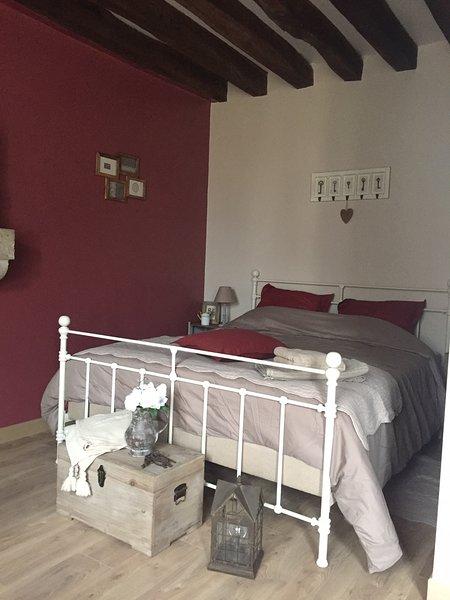 Chambre de charme 3* avec piscine et petits déjeuners entre Blois et Chambord, location de vacances à Cellettes