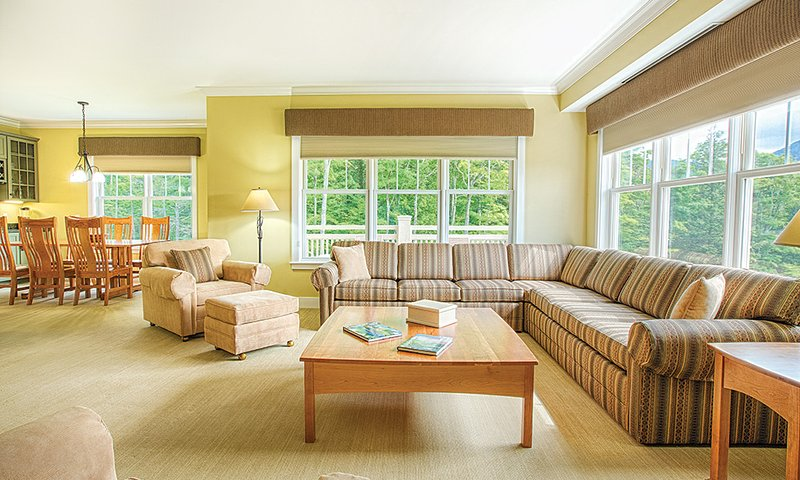 Cozy Club Wyndham Smugglers Notch, 4 Bedroom, holiday rental in Jeffersonville