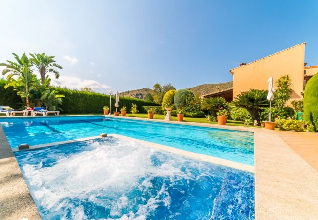 Sant Vicent de sa Cala Holiday Home Sleeps 12 with Pool and Air Con - 5837499, location de vacances à Cala Sant Vicenc