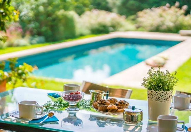 Campanet Holiday Home Sleeps 4 with Pool Air Con and WiFi - 5837495, alquiler de vacaciones en Campanet