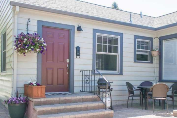 Home sweet home. Private entrance with your own grill.  Patio looks out onto Drake Park and the flowing Deschutes River