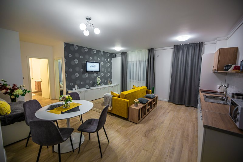 Modern cozy apartment in a private residence in the city centre of Cluj-Napoca !, location de vacances à Bontida