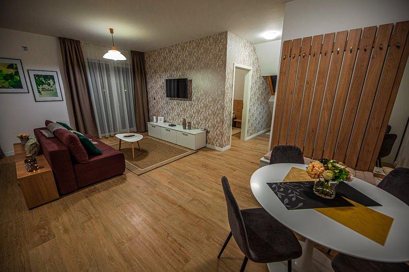Cozy Modern Apartment in a private Residential Complex, location de vacances à Bontida