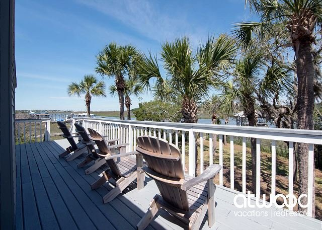Beach Comar - Beach Walk & Private Dock On a Tidal Creek, holiday rental in Edisto Island