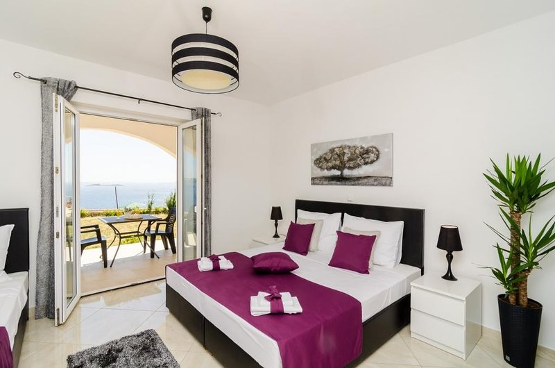 Apartments A&M - Studio with Terrace and Sea View No. 2, holiday rental in Soline