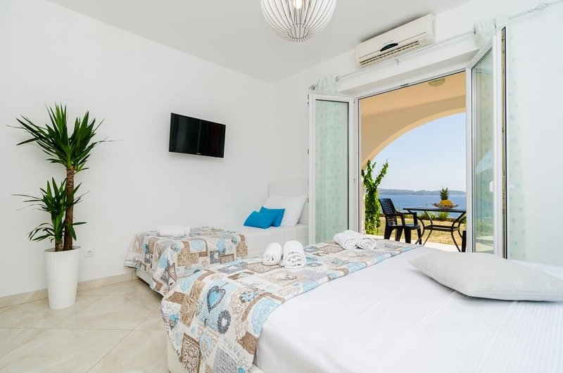 Apartments A&M - Studio with Terrace and Sea View No. 3, holiday rental in Soline