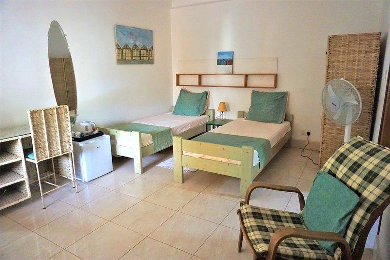 B & B Villa Calliandra green room, vacation rental in Bijilo
