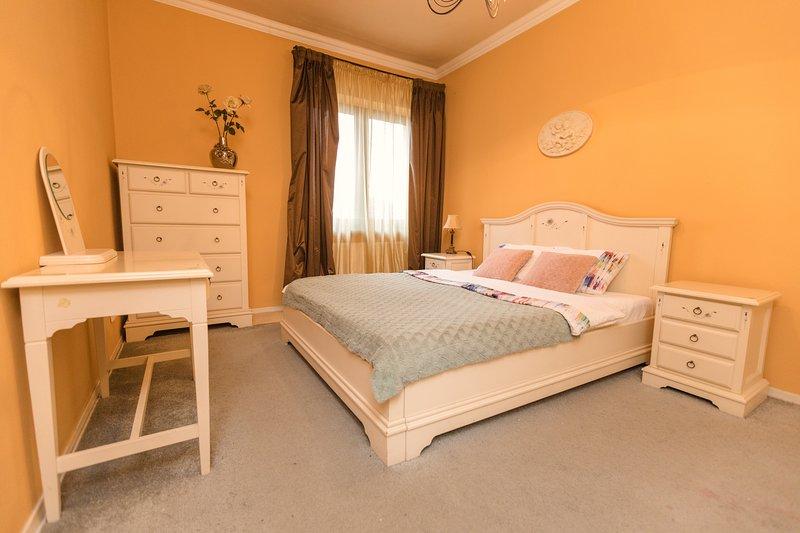 Moonlight Luxury Apartment, casa vacanza a Baile Felix