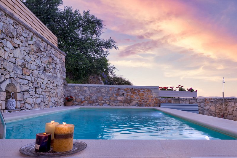 OLGA'S FILOXENIA VILLAS - Villa Aladanos, vacation rental in Chania Town