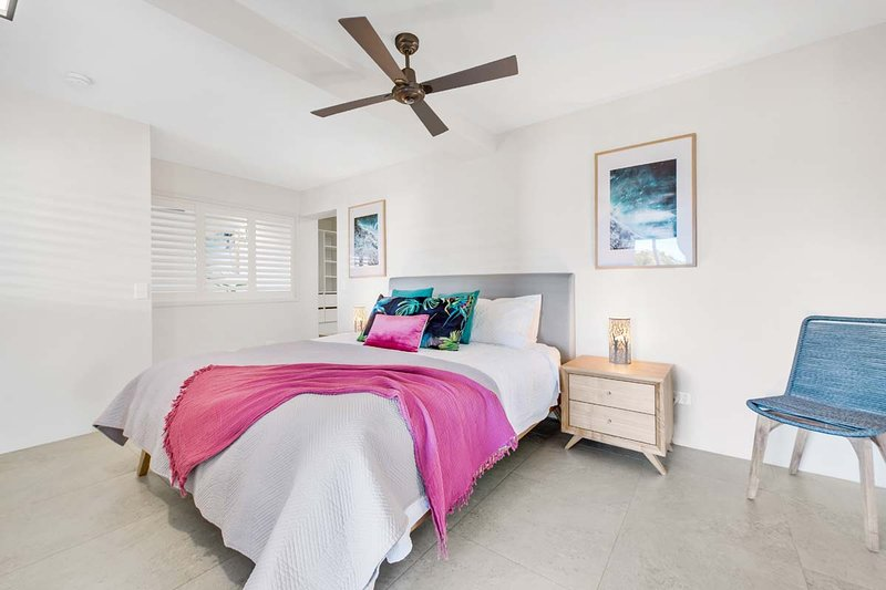 Crystal Shores Unit1, 200m from  Sunshine Beach, Dog Friendly, holiday rental in Sunrise Beach