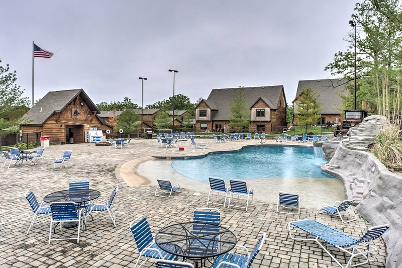 Located in the Celebration Cove Condos, this vacation rental has a resort pool!