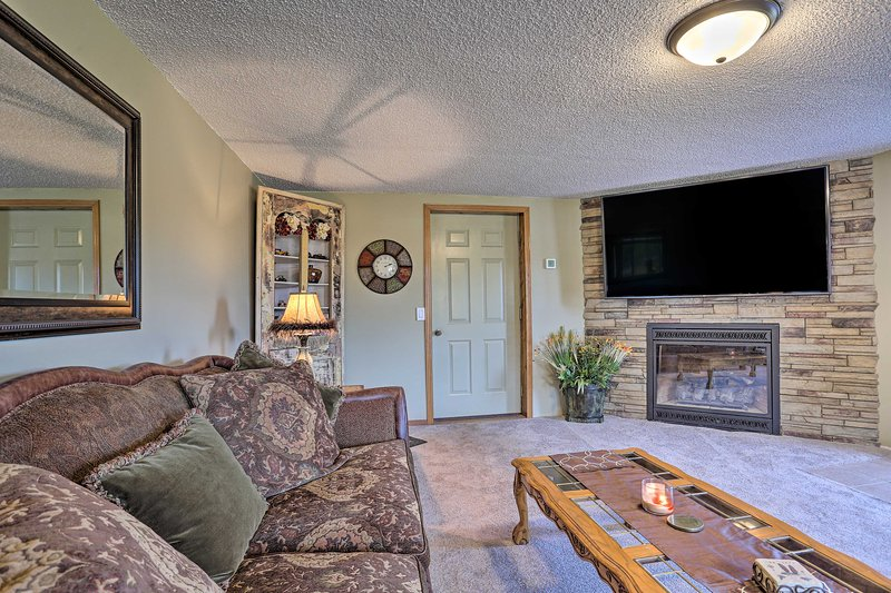 NEW! Hills City Hideaway 12 Miles to Mt Rushmore!, vacation rental in Hill City