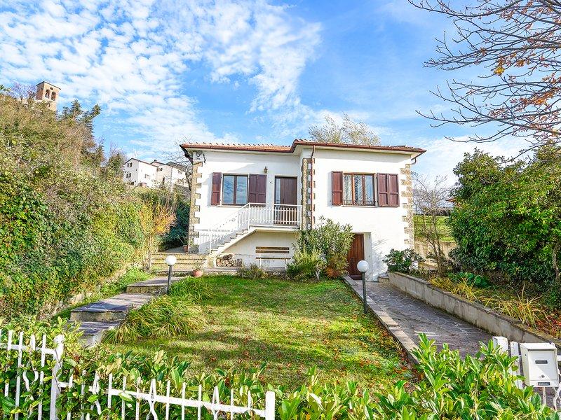 Villa Bruna nel cuore del Montefeltro, indipendente, ampio giardino, free WIFI, casa vacanza a San Leo