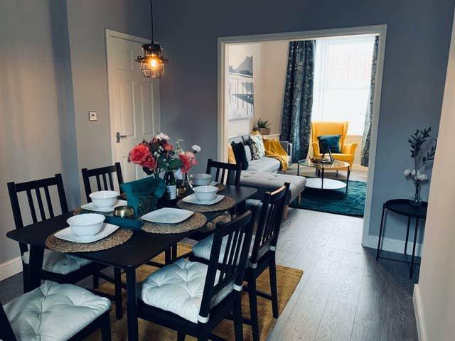 Stylish, Spacious & Luxurious Space w/ PARKING, location de vacances à Prescot