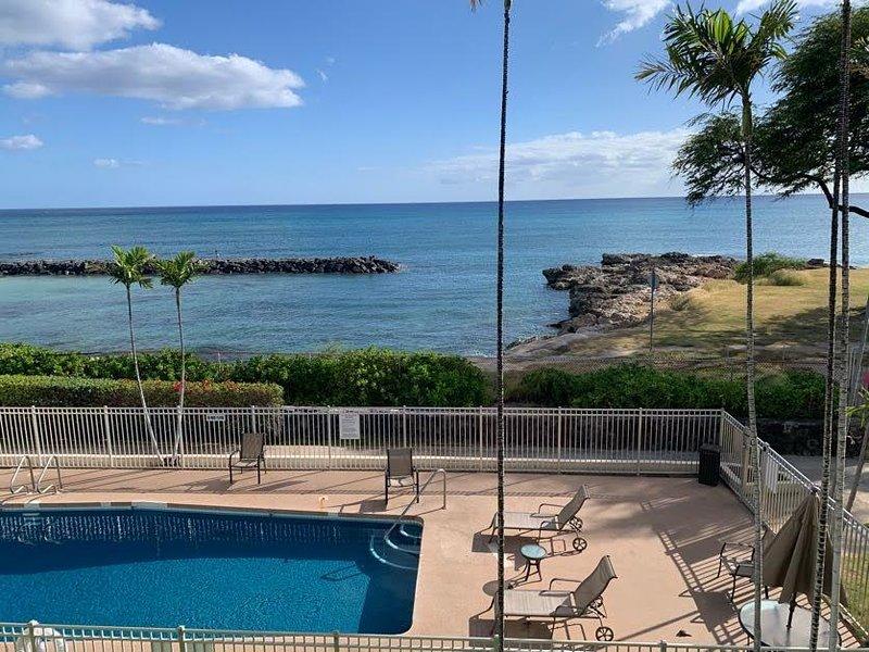 Gorgeous beach front condo, watch endless ocean view, location de vacances à Waianae